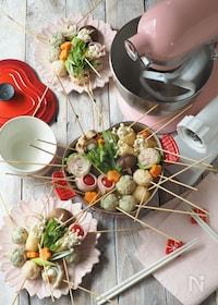 『手作り鶏団子と海老団子の串鍋』