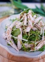 \コクうま/水菜と鶏胸肉のごまたっぷりドレッシングのサラダ♪