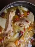 骨付き鶏もも肉の「餅」入り参鶏湯