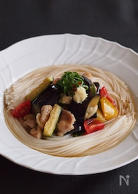 『太陽をいっぱいあびた野菜を楽しむ!夏野菜の焼きびたし素麺♪』