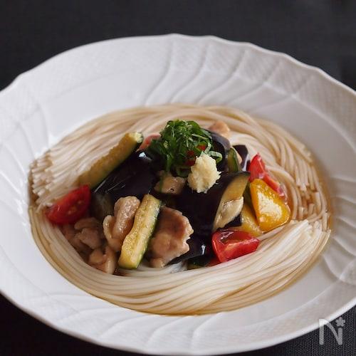 太陽をいっぱいあびた野菜を楽しむ!夏野菜の焼きびたし素麺♪