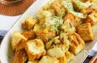 副菜やお弁当に♪厚揚げとキャベツとコーンのカレー炒め