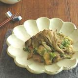 フライパンひとつで簡単調理☆鶏肉とまいたけのねぎ塩炒め