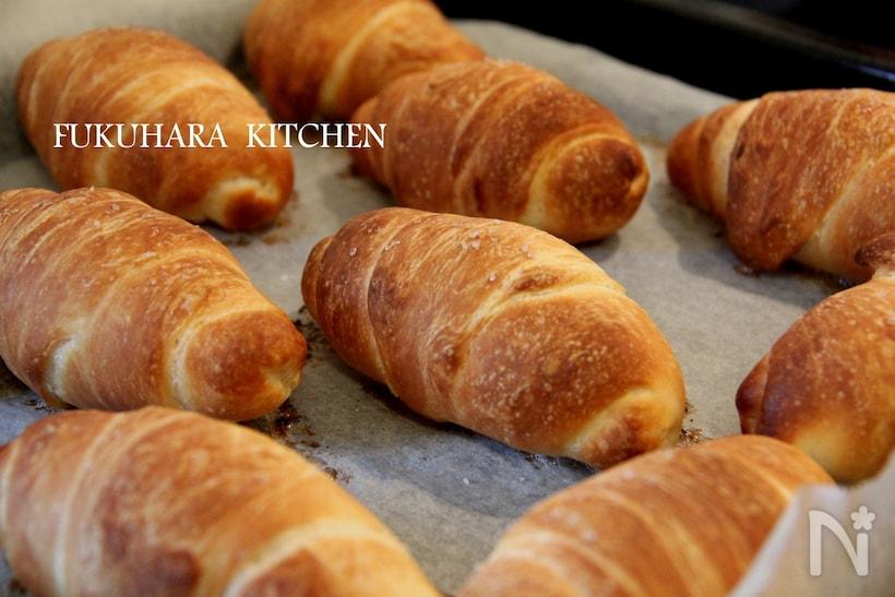 オーブンシートに並んだ塩パン