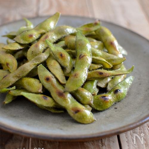 焼き枝豆。ごま油香る!フライパンで簡単な夏のおつまみ、副菜。
