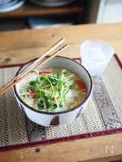 豆苗たっぷり!ふわふわ卵にゅうめん(キッチンバサミ使用)