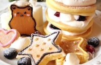 クリスマスにも!パンケーキをデコレーションしたデコパンケーキ
