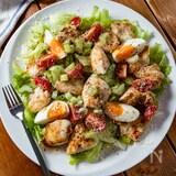 ひと皿で満足★デリ風『鶏むねガーリックチキンサラダ』