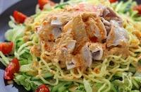 野菜がモリモリ食べられる!ジャンクなドレッシングの主役級サラダ