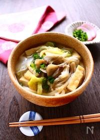『たっぷりきのこのすっぽんスープうどん』