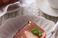 混ぜて冷やすだけ♪とろける食感♡焼かない生チョコチーズケーキ