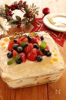 レモンカードとベリーのスコップケーキ