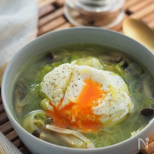 【10分】半熟卵とろ~ん!きゃべつとベーコンの巣ごもりスープ