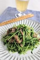 豆苗と豚肉のゴマ炒め