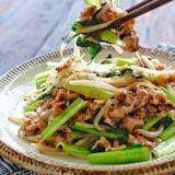 *豚こまともやしと小松菜のさっぱりうま塩炒め*