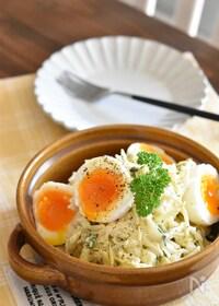 『キャベツと卵のごまマヨデリ風サラダ』