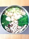 冷凍水餃子でお手軽に♡餃子鍋