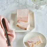 いちごのレアチーズアイスケーキ【簡単、混ぜるだけ】