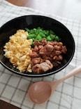 鶏の照焼き三色丼