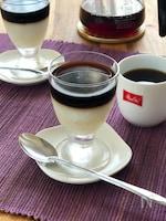 タピオカ入りミルクとコーヒーの2色ゼリー