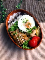 【15分弁当】☆豚肉のカレー風味生姜焼きとレンチン・ゆで卵