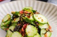 『ポリポリ食感でさっぱり旨い!』きゅうりと塩昆布の梅肉和え