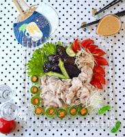 めんたいゴマだれで、野菜たっぷり冷しゃぶサラダ