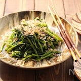 ウンチェー(空芯菜)の炒めもの