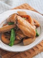 炊飯器でお肉柔らか、れんこんホクホク♡鶏手羽のにんにく旨煮。