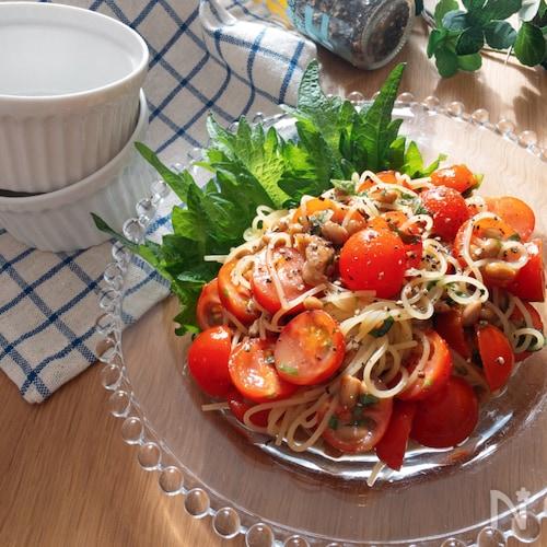 栄養たっぷりヘルシー美味しい♡納豆とミニトマトのパスタサラダ