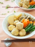 旨みじゅわ〜。とろける鶏団子と野菜の煮物