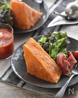 我が家の定番。トマトチーズトースト。