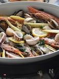 フレッシュパセリと魚介のオイル蒸し。