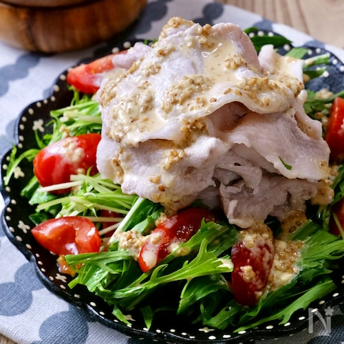 『柔らか豚しゃぶとシャキシャキ水菜の特製ごまドレサラダ』