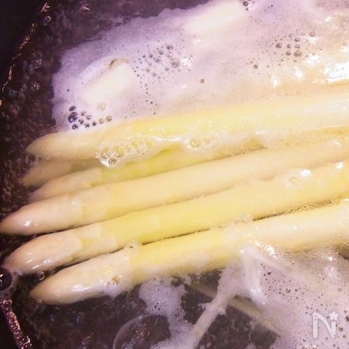 ホワイトアスパラガスのおいしい茹で方