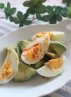 アボカドと茹で卵の簡単サラダ