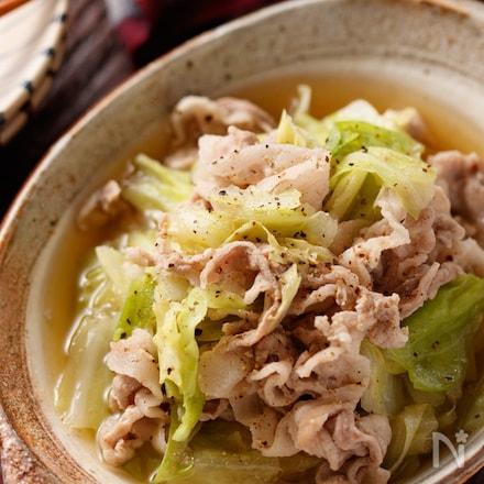 豚バラと春キャベツのうま塩スープ煮【#包丁不要 #煮るだけ】