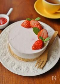 『母の日にも♡イチゴヨーグルトケーキ』