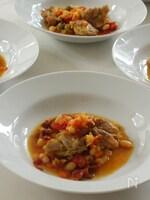 鶏肉と白インゲン豆、オリーブのサフラン煮込み