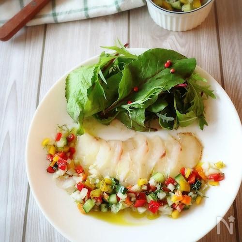 カラフル野菜とビネガーでさっぱり!白身魚のカルパッチョ