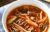 牛肉のユッケジャン風キムチスープ