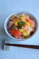 【簡単】鮭といり卵の混ぜごはん