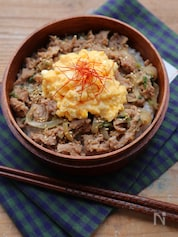 【15分弁当】レンジ調理で♡ふわふわ卵の豚丼
