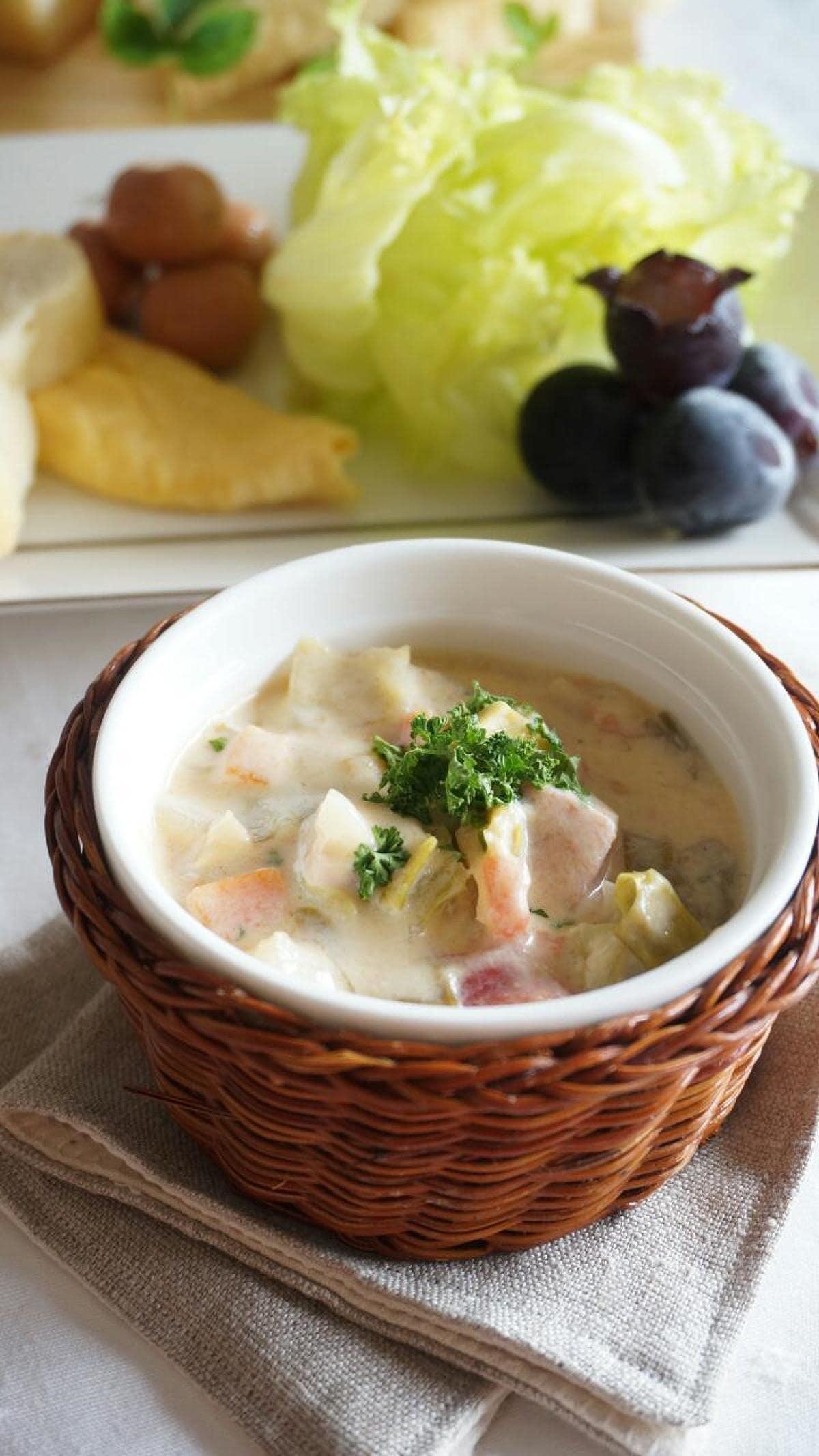 サラっと夏らしく!トマトと野菜の豆乳スープ