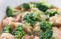 ご飯がめっちゃ進む♡鶏肉とブロッコリーのオイスター煮
