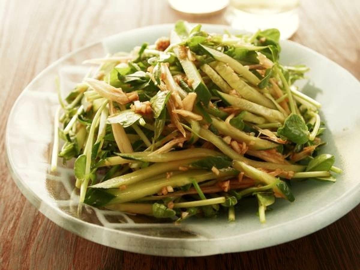 豆苗ときゅうりのサラダ
