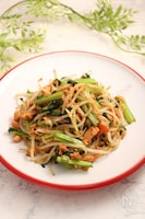 銀鮭ともやし小松菜のピリ辛炒め