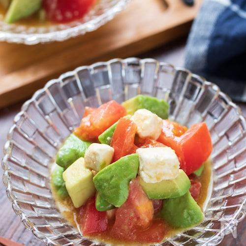 アボカドとトマトのチーズマリネ【#簡単#時短#和えるだけ】