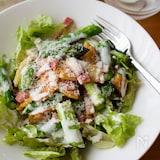 春サラダ♪『アスパラとポテトとベーコンのシーザーサラダ』