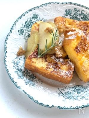 焦がしバターと洋梨のフレンチトースト